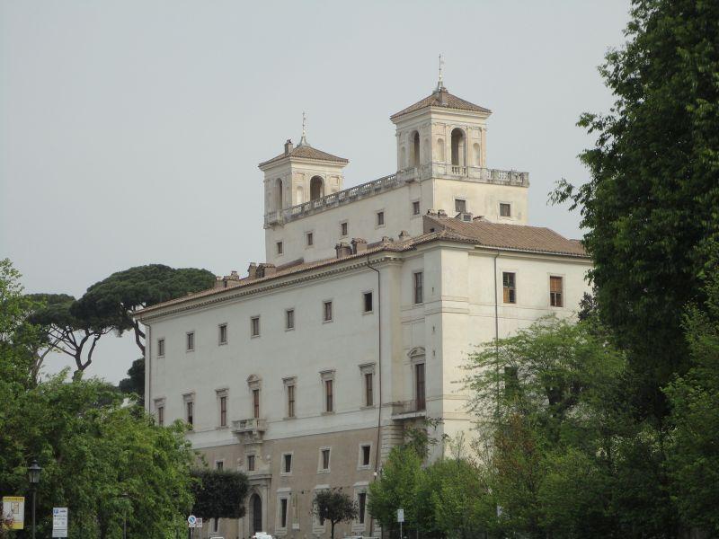 La villa medicis et ses jardins at suite de notre for Jardin villa medicis rome